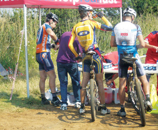 Covering the basics of hydration with ER24's specialised medical services at a cycling event in Bethlehem.