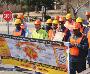 An enthusiastic awareness march was held by the SANDF's OHS specialists at this year's work session.