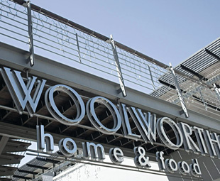 Woolworths is spelt Q-U-A-L-I-T-Y